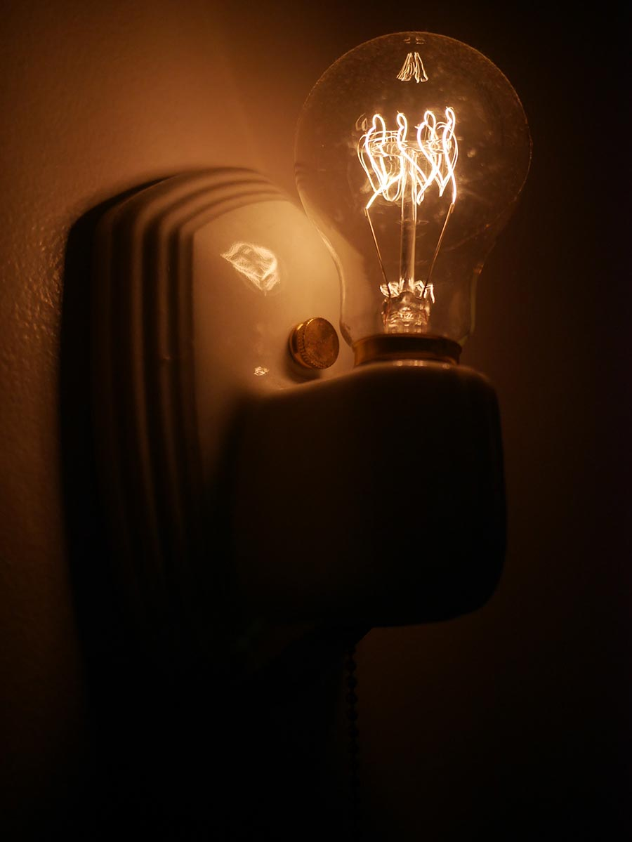 lighted_sconce